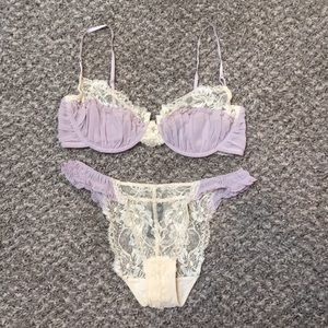 Like New Elle Macpherson Lingerie Bra & Panty Set